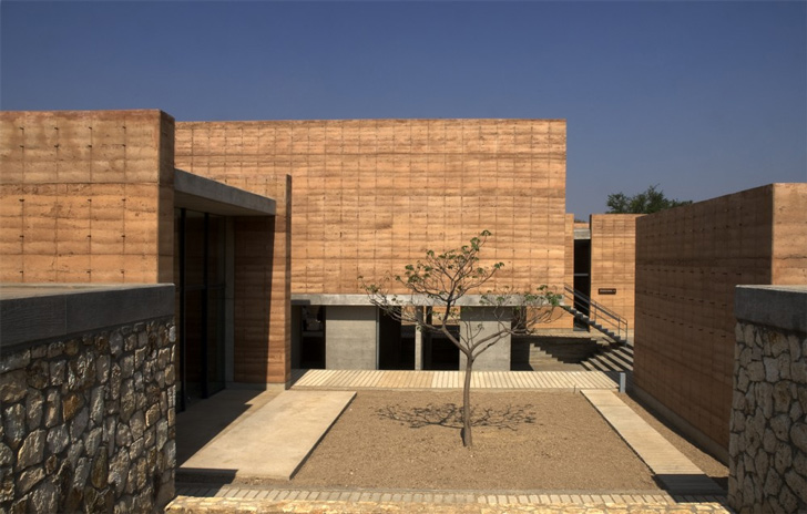 Mexican Rammed Earth School Earth Dwellings