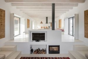 lime-renderered-rammed-earth